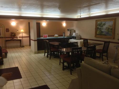 Country Hearth Inn & Suites Washington Court House