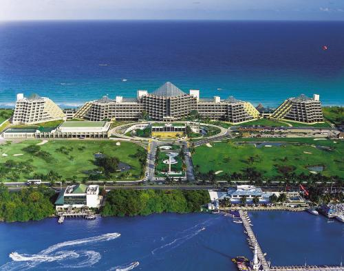 Royal Service at Paradisus Cancun - Adults Only
