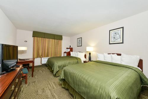 Quality Inn & Suites Stoughton Madison South